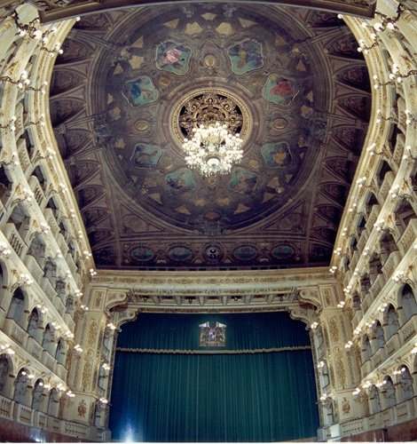 THEATER AND EVENT TICKETS  Art Hotel Novecento Bolonia, Italia